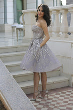 Load image into Gallery viewer, Short Gorgeous Strapless Popular Sparkly Unique Knee-Length Homecoming Dresses PD155