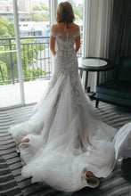 Load image into Gallery viewer, Sheath Off the Shoulder Court Train Ivory Tulle Wedding Dresses with Lace Appliques RS203