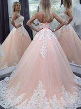 Load image into Gallery viewer, Stunning Sweetheart Floor-Length Appliques Lace up Strapless Ball Gown Tulle Wedding Dress RS614