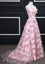 Load image into Gallery viewer, Pink A-line Sweetheart Strapless Sweep Train Floral Print Long Lace Prom Dresses with flowers RS524