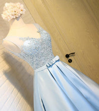 Load image into Gallery viewer, Sky Blue A-Line V-Neck Short Prom Dresses Appliques Lace Homecoming Dresses RS568