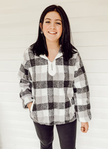 Sherpa Pullover in Gray Plaid