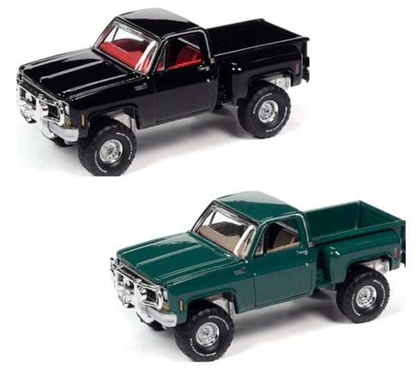 Auto World 1:64 1980 Chevrolet Custom Deluxe 10 Stepside - Black  & Green