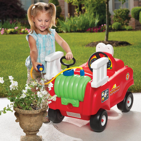 Little Tikes Spray & Rescue Fire Truck