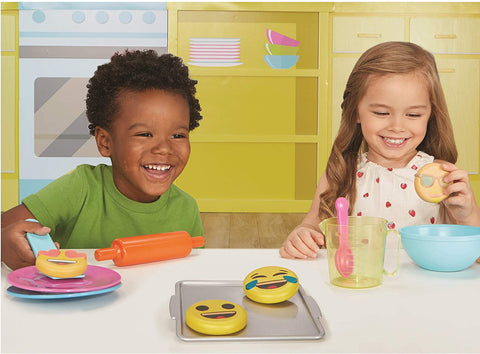 Little Tikes  Bake n Share Emoji Cookies