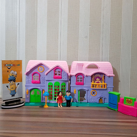 Electronic Happy Family Doll House