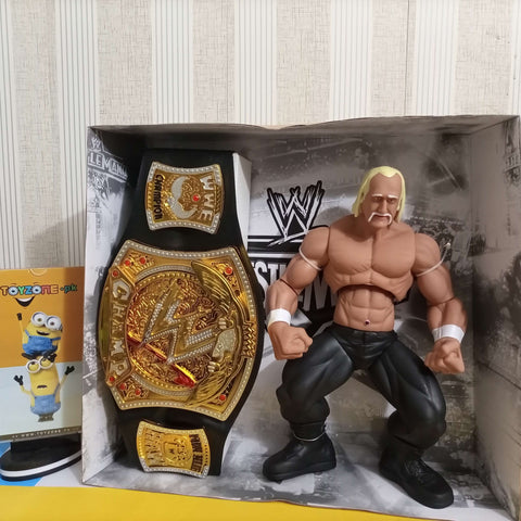 Image of Hulk Hogan with Championship Belt