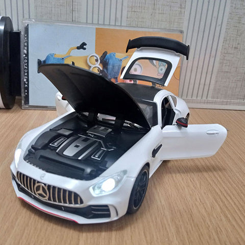 Image of Mercedes AMG v8 turbo Die cast Model 1:24 Scale
