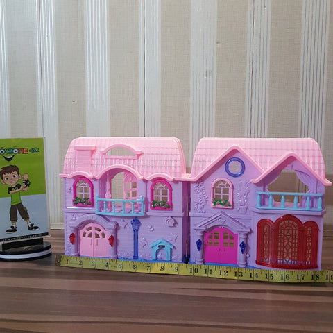 Image of Battery Operated Family Doll House (Large)