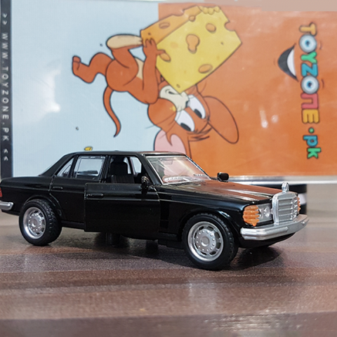 Metal Body Vintage Mercedes-Benz W123
