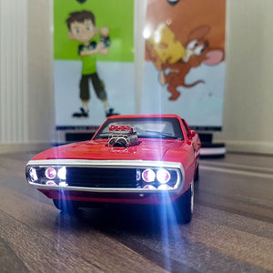 Diecast Dodge Challenger With Light & Sound Scale 1:24