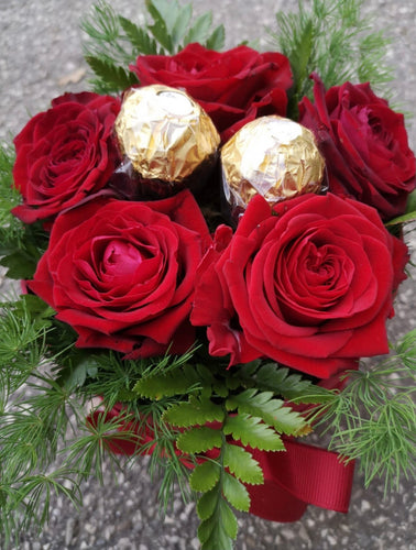 5 Rose Naomi e 2 Ferrero Rocher H24 - FOR ME H24