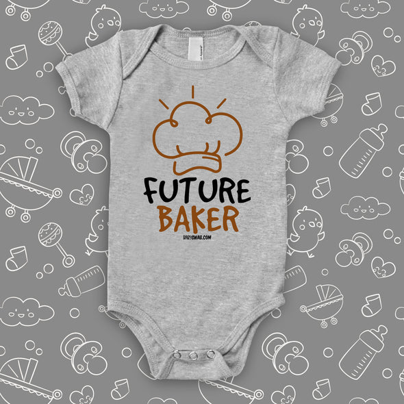 "Cool baby onesie with ""Future chef"" print in grey."