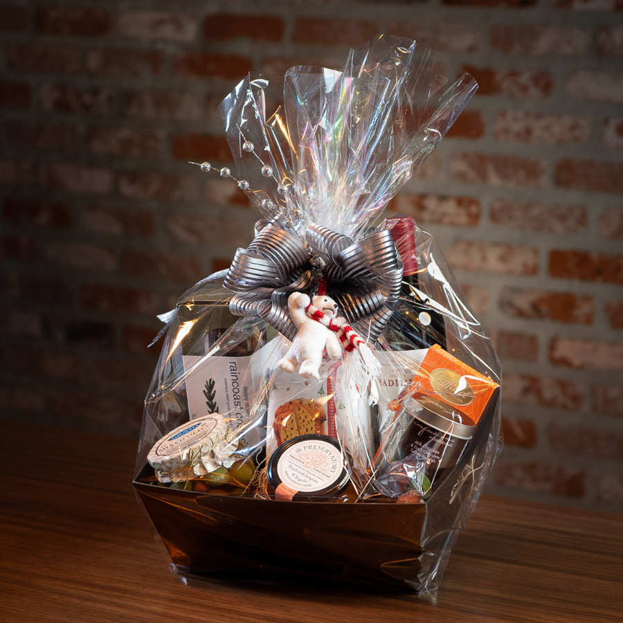 Deluxe Haute Holiday Gift Basket