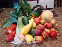 Load image into Gallery viewer, 20lb Mixed Seasonal Fresh Fruit & Veggie Box