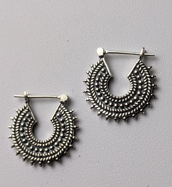 Anuk Hoop Earrings- Silver