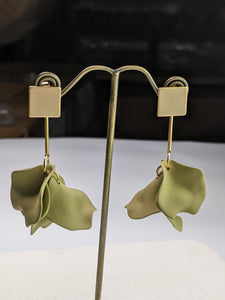 Matte Petal Earrings -  Green