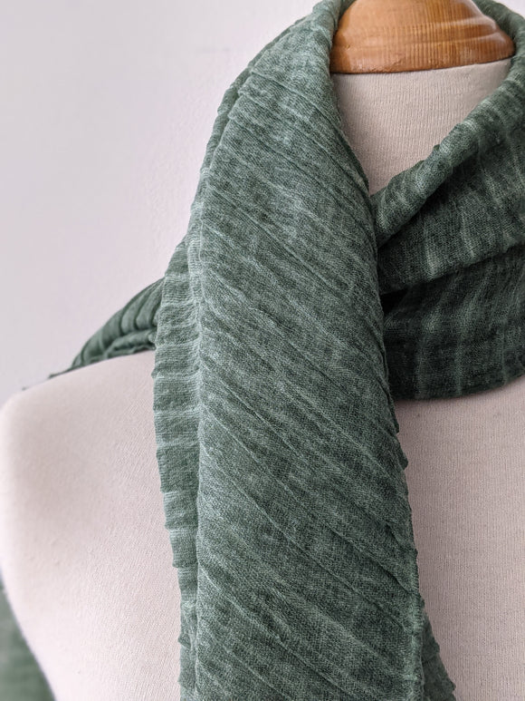 The Accordion Scarf- Green