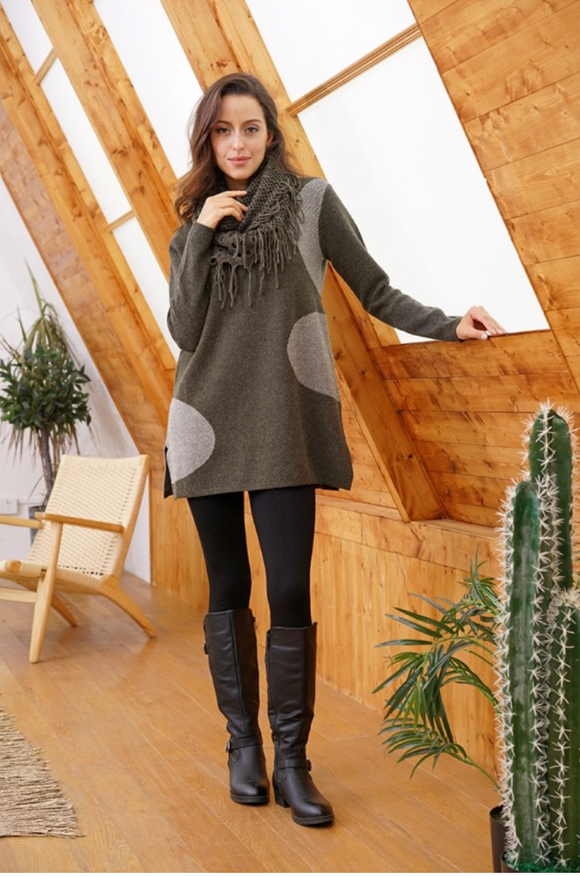 Two-Tone Circle Contrast Pattern Tunic Sweater