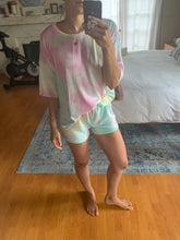 Load image into Gallery viewer, Cotton candy shorts set