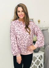 Load image into Gallery viewer, Pink Leopard Pullover