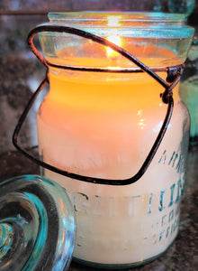 Lightning Jar candle 15oz