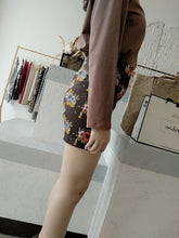 Load image into Gallery viewer, Vintage Flora Tight Skirt in Dark Brown