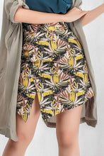 Load image into Gallery viewer, Leaves Printed Skirt in Brown