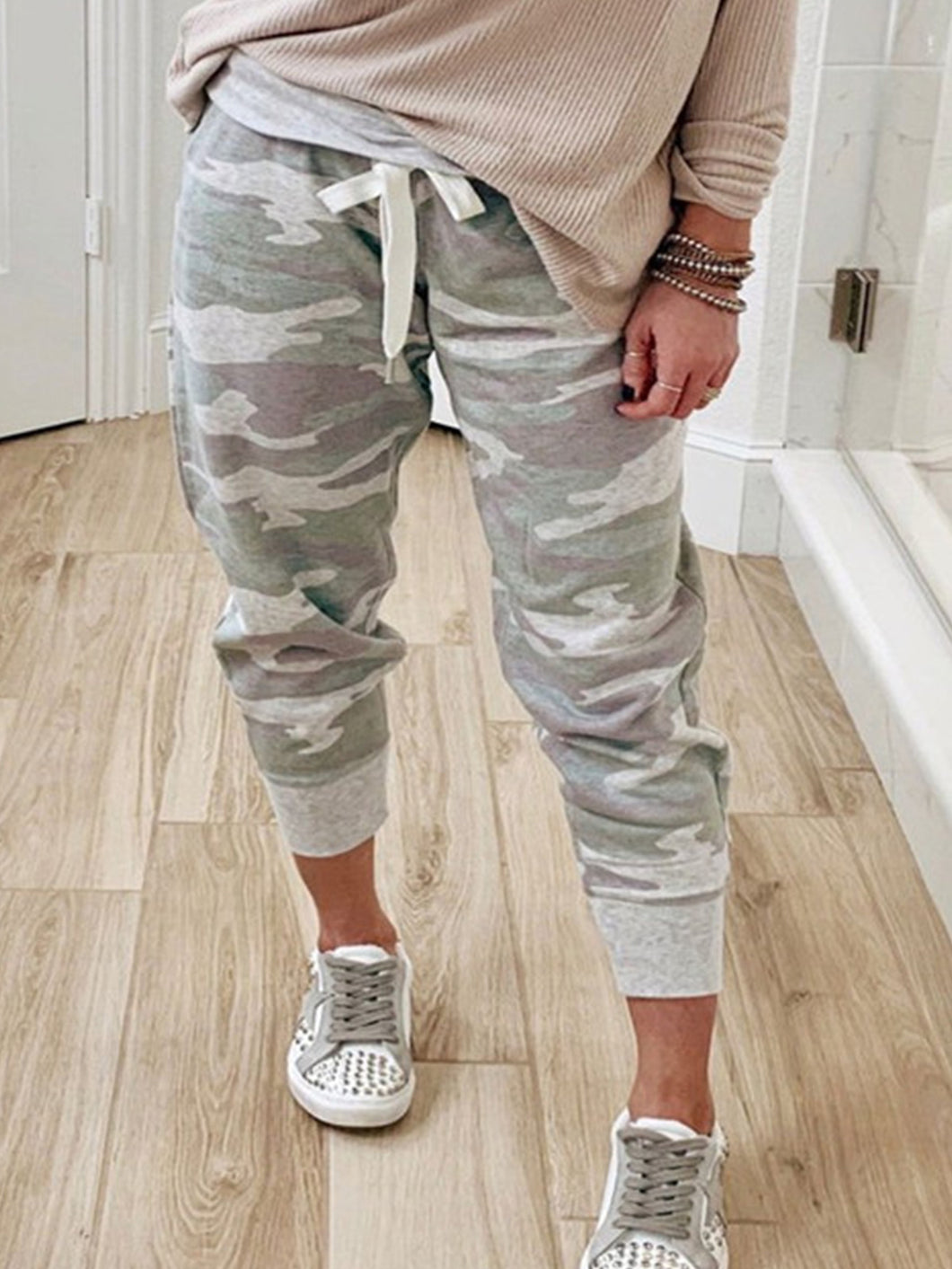 Women Camouflage Printed Jogging Pants