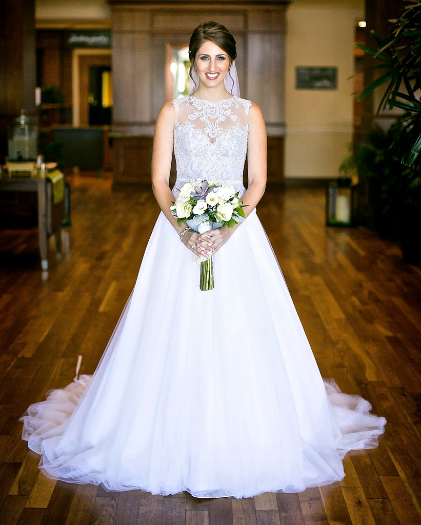 Veluz Reyes Wedding Gown: Veluz Reyes 'Amihan' Size 4 Sample Wedding Dress