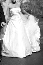 Load image into Gallery viewer, Amy Kuschel 'MODA II' - amy kuschel - Nearly Newlywed Bridal Boutique - 7