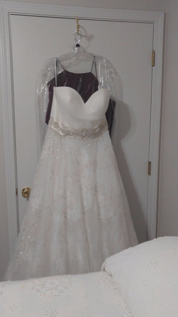 Casablanca '2136' size 20 new wedding dress front view on hanger