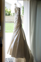 Enzoani 'semi mermaid' - Enzoani - Nearly Newlywed Bridal Boutique - 4
