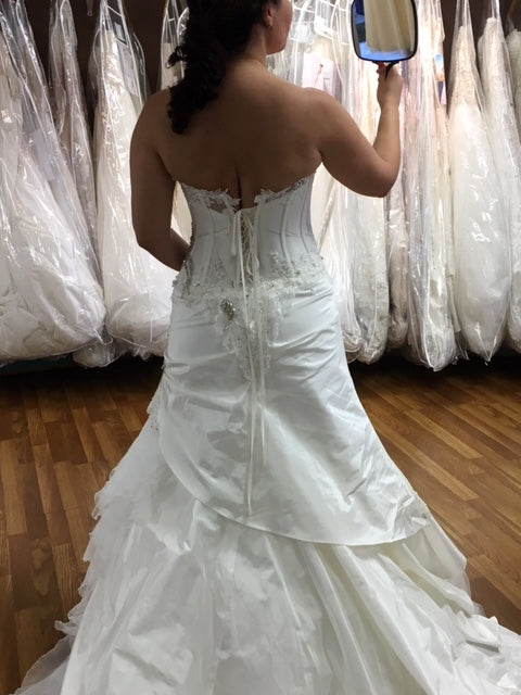 Farage Paris 'Sheena' size 10 new wedding dress back view on bride