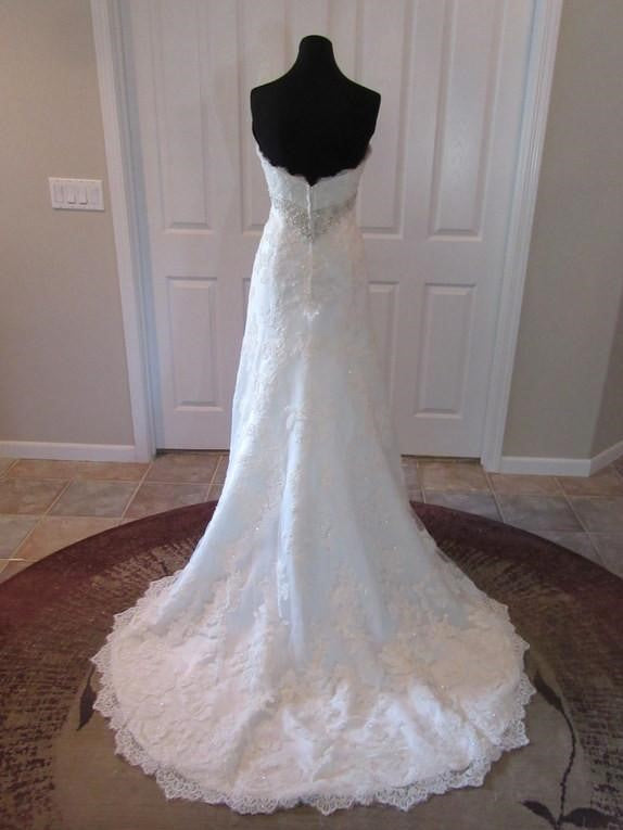 Casablanca '2072' size 10 new wedding dress back view on mannequin
