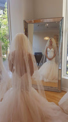 Galia Lahav 'Loretta' size 4 new wedding dress back view on bride