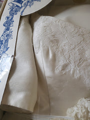 Amsale 'Silk Taffeta' size 10 used wedding dress front view close up
