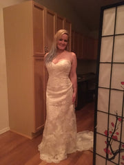 Stella York 'ST5939918' size 12 new wedding dress front view on bride