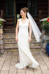 Ines Di Santo 'IDS919' size 12 used wedding dress front view on bride