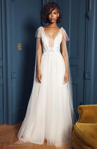Floravere 'B. Morisot' size 6 sample wedding dress front view on model