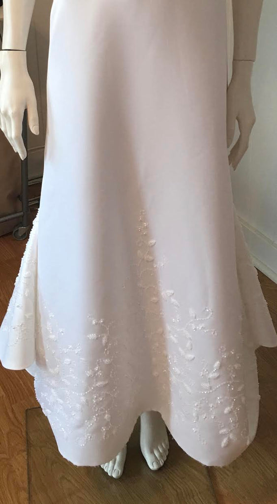Rena Koh '0226' size 6 used wedding dress front view on mannequin