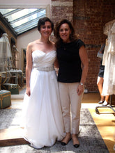 Load image into Gallery viewer, Theia '881021' - THEIA - Nearly Newlywed Bridal Boutique - 1