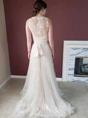 BHLDN 'Onyx' size 4 new wedding dress back view on bride