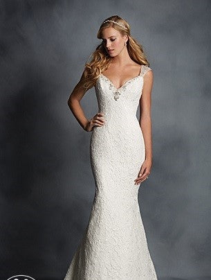 Alfred Angelo '2524' size 6 new wedding dress front view on model