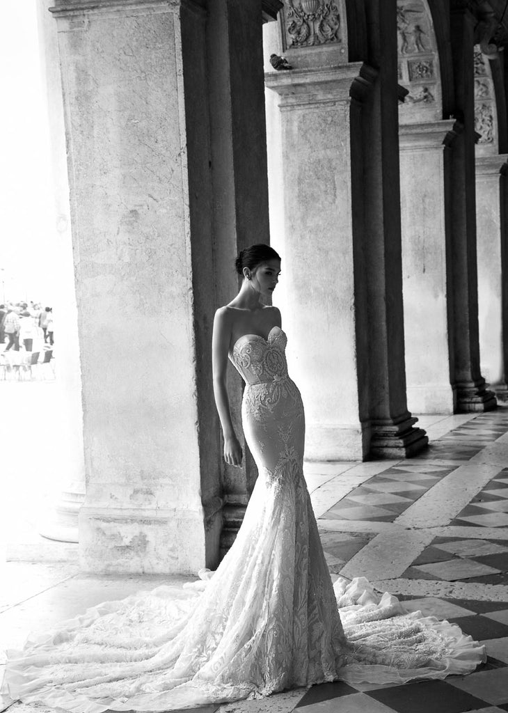 Inbal Dror 'BR 15-16' size 0 used wedding dress front view on model