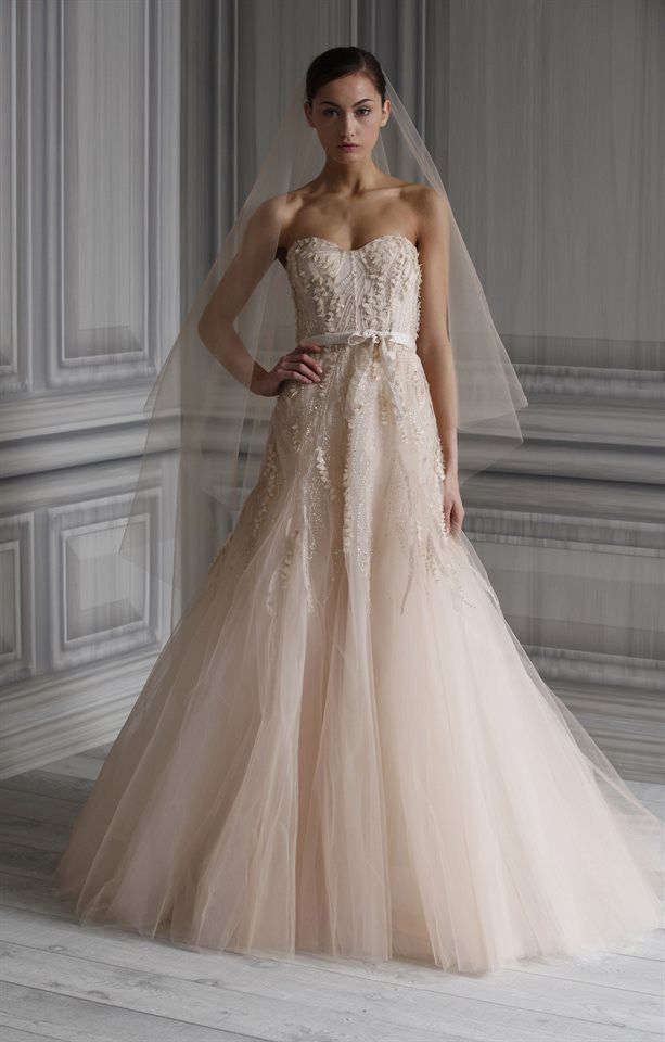 Monique Lhuillier \'Candy\' size 4 used wedding dress - Nearly Newlywed