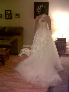 Pronovias 'White One - Talud' size 12 used wedding dress back view on bride