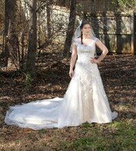 Load image into Gallery viewer, Custom 'Custom' - unknown - Nearly Newlywed Bridal Boutique - 2