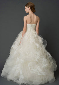 "Vera Wang ""Helena"" - Vera Wang - Nearly Newlywed Bridal Boutique - 9"