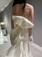 Load image into Gallery viewer, sareh nouri 'Peony' wedding dress size-04 NEW